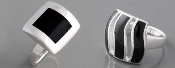 Schwarze Ringe