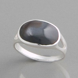 Ring Perlmutt anthrazit, Größe 52