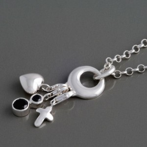 Halskette mit Charms Heart